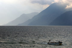 Puntelli del lago Atitlan Immagini Stock