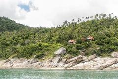 Puntelli la spiaggia della costa ed alloggia l'isola Tailandia di Koh Phangan della giungla Fotografia Stock Libera da Diritti