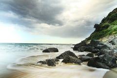 Puntello di mare con le rocce in Sardegna Immagine Stock Libera da Diritti