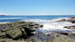 Puntello roccioso dell'oceano Fotografie Stock