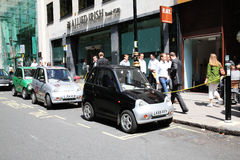 Punti di carico dell'automobile elettrica fotografie stock libere da diritti