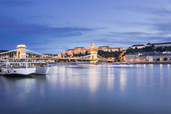 Punti di riferimento ungheresi a Budapest alla notte Immagine Stock Libera da Diritti