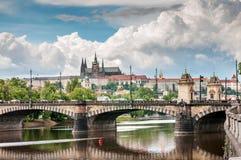Punti di vista della repubblica Ceca di Praga del castello di Praga Immagini Stock