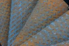 Punti invecchiati del metallo con il modello antisdrucciolevole Fotografia Stock Libera da Diritti