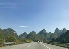Punti scenici di Guilin sulla strada Fotografie Stock