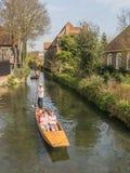 Punting i solskenet i Canterbury Arkivfoton