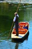Punting na Avon rzeczny Christchurch, Nowa Zelandia - Obraz Royalty Free