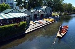 Punting no rio Christchurch - Nova Zelândia de Avon Imagem de Stock