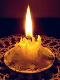Punto bajo ardiendo de la vela Fotos de archivo