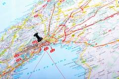 Punto de destino en un mapa Fotos de archivo libres de regalías