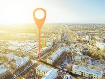 Punto de Geotag en las calles de la ciudad visión aérea b fotografía de archivo