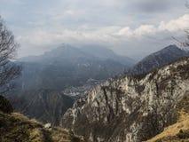 Punto de las montañas Foto de archivo libre de regalías