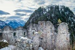 Punto de visión en el castillo de Ehrenberg en las montañas de Titol, Austria, obser Imagen de archivo