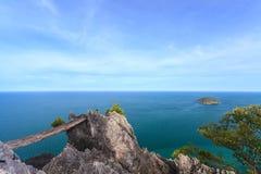 Punto de visión en el top de la montaña Fotos de archivo libres de regalías