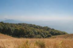 Punto de visión en la naturaleza hermosa de la montaña para el adventur del viaje Fotografía de archivo