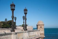 Punto de vista de la alameda en Cádiz Fotos de archivo