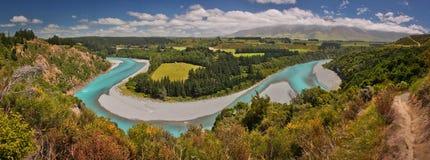 Punto de vista del río de Rakaia, cerca de Christchurch, Nueva Zelanda foto de archivo libre de regalías