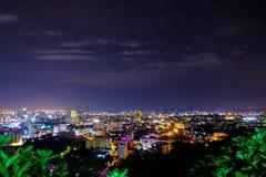 Punto de vista Pattaya Tailandia de la noche, en la montaña de Phra Tamnak foto de archivo libre de regalías