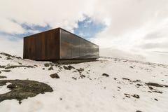 Punto de vista Snohetta en Dovrefjell, Noruega, vinter y nieve fotografía de archivo