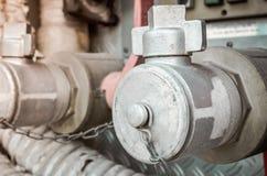 Punto del abastecimiento de agua con el lugar su extintor del texto, agua, tubo Fotografía de archivo libre de regalías