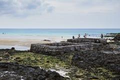 Punto del agua de manatial en la playa de Sehwa Imagen de archivo
