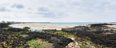 Punto del agua de manatial en la playa de Sehwa Imágenes de archivo libres de regalías