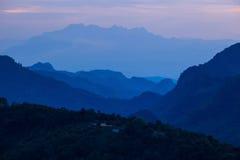 Punto del Mountain View en el destinat que viaja importante de Doi Angkhang Imagen de archivo libre de regalías