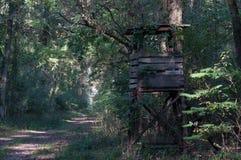 Punto di legno della struttura per l'osservazione della vita animale Fotografia Stock