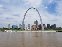 Punto di riferimento dell'arco dell'ingresso di St. Louis fotografia stock