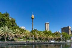 Punto di riferimento di Sydney Tower, punto facente un giro turistico Immagine Stock