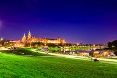 Punto di riferimento famoso del castello di Wawel a Cracovia fotografia stock libera da diritti
