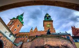 Punto di riferimento famoso del castello di Wawel a Cracovia immagine stock