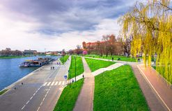 Punto di riferimento famoso del castello di Wawel a Cracovia immagini stock libere da diritti
