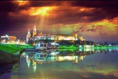 Punto di riferimento famoso del castello di Wawel a Cracovia immagine stock libera da diritti