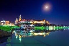 Punto di riferimento famoso del castello di Wawel a Cracovia fotografie stock libere da diritti