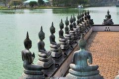 Punto di riferimento famoso del tempio del lago a Colombo, Sri Lanka Fotografia Stock Libera da Diritti