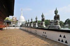Punto di riferimento famoso del tempio del lago a Colombo, Sri Lanka fotografie stock libere da diritti