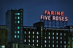 Punto di riferimento rosa di Farine cinque Montreal fotografia stock