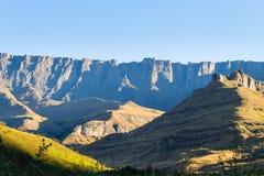 Punto di riferimento sudafricano, anfiteatro da Natal National Park reale Fotografie Stock Libere da Diritti