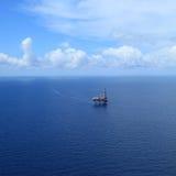 Punto di vista aereo di Jack in mare aperto in su piattaforma di produzione Fotografia Stock