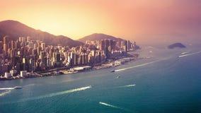 Punto di vista aereo di panorama di Hong Kong Island al tramonto Lasso di tempo stock footage