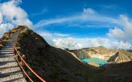 Punto di vista al vulcano di Kelimutu, Flores, Indonesia Immagine Stock