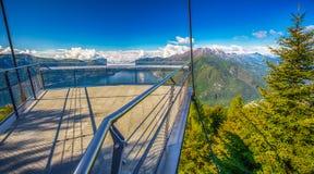 Punto di vista alla città di Locarno e a Lago Maggiore dalla montagna di Cardada, alpi svizzere, Svizzera Fotografia Stock