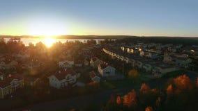 Punto di vista di Ariel delle case in Svezia archivi video