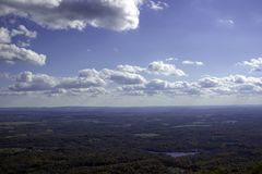 Punto di vista di Ariel sopra le montagne nello Stato di New York Fotografie Stock Libere da Diritti