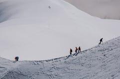 Punto di vista degli scalatori da Aiguille du Midi in alpi francesi Fotografia Stock