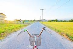 Punto di vista del cavaliere della bicicletta immagini stock