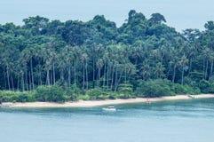 Punto di vista del paesaggio di Koh Mun Nai dal punto di vista di bae di Kai all'isola di Koh Chang, Trat Tailandia immagine stock