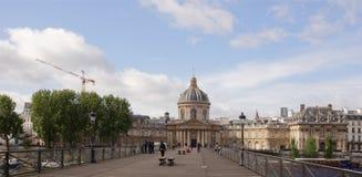 Punto di vista dell'istituto della Francia Sul ponte dei cittadini di arti Fotografia Stock Libera da Diritti