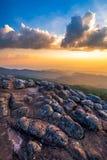 Punto di vista della montagna al parco nazionale di Phu Hin Rong Kla fotografia stock libera da diritti